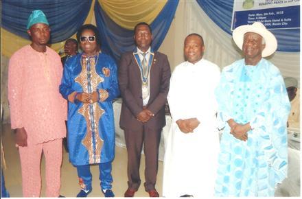 Awarding Distinguished Personnel