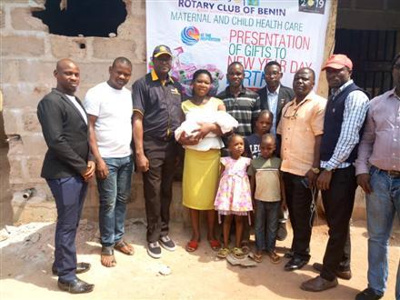 Rotary Club of Benin celebrates New Year Day Baby